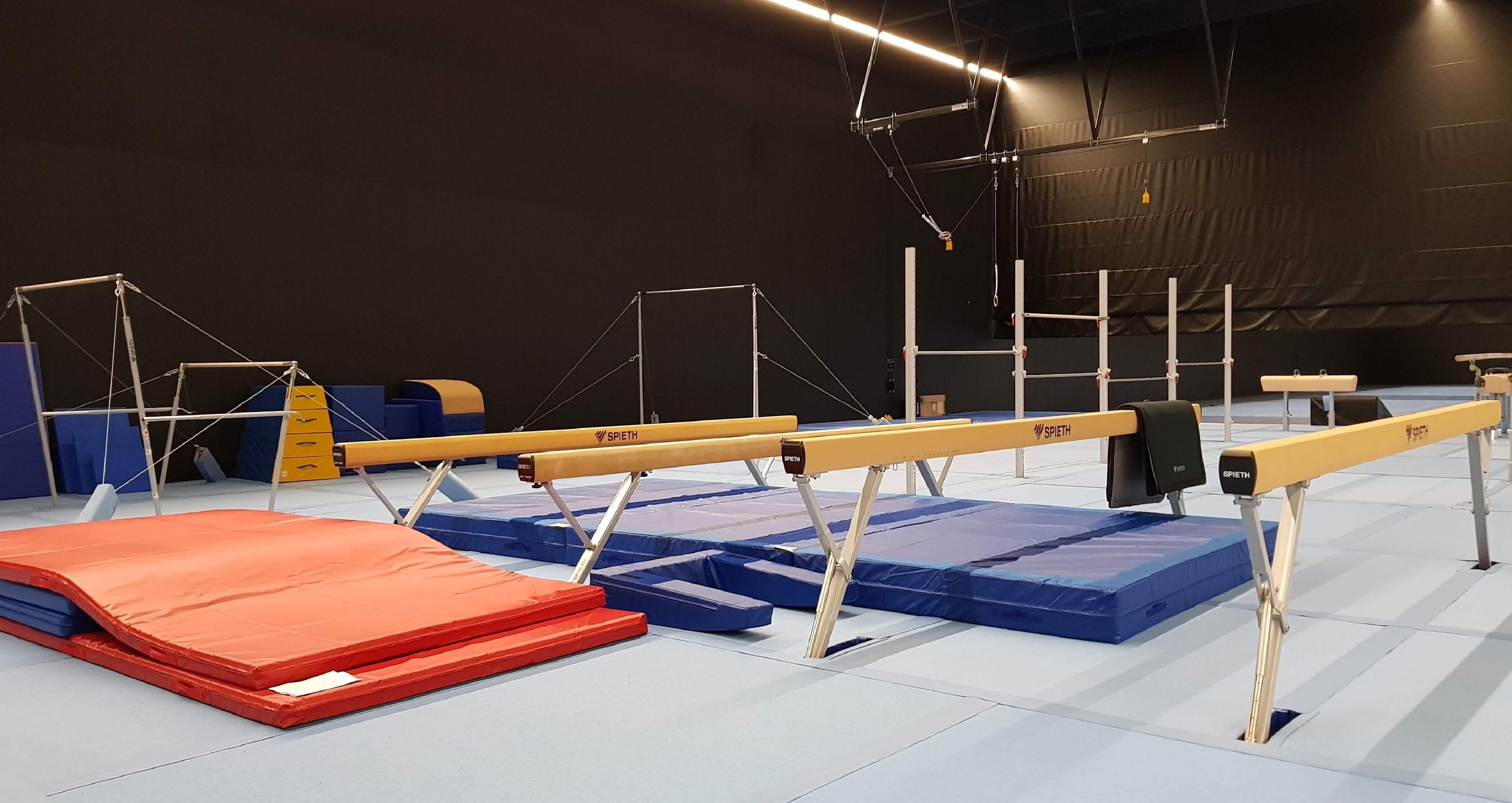Спортивное оборудование для гимнастики и легкой атлетики